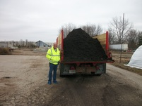 Ski Landscape Truck loaded with 12 cubic yards of Mulch